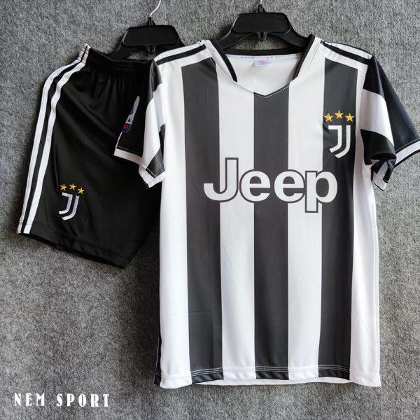 Mẫu quần áo đá bóng câu lạc bộ Juventus mùa 2021-2022
